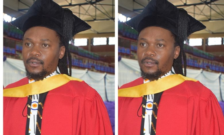 Photo of SA man earns Africa's first PhD in indigenous astronomy